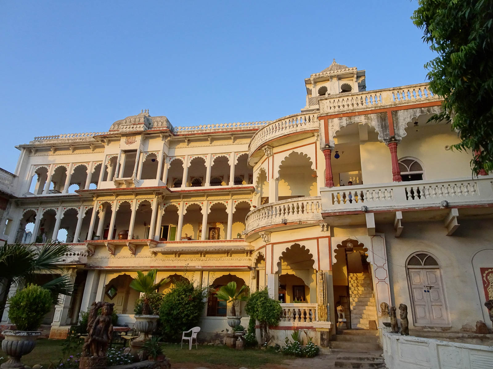 1024_Poshina_Darbargadh-Palace-1.jpg