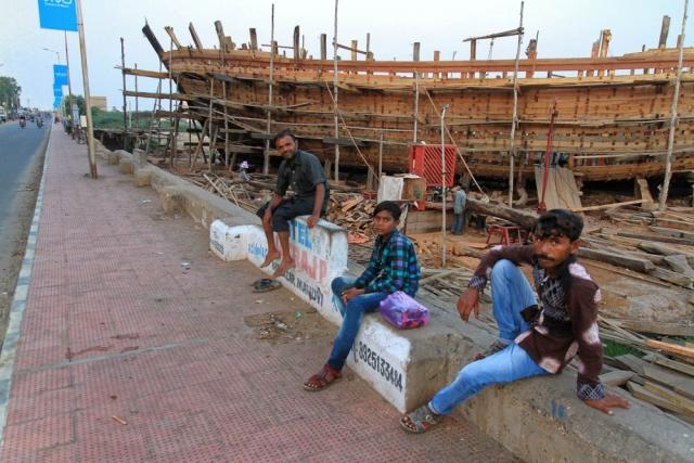 1029_Mandvi_Boat-1.jpg