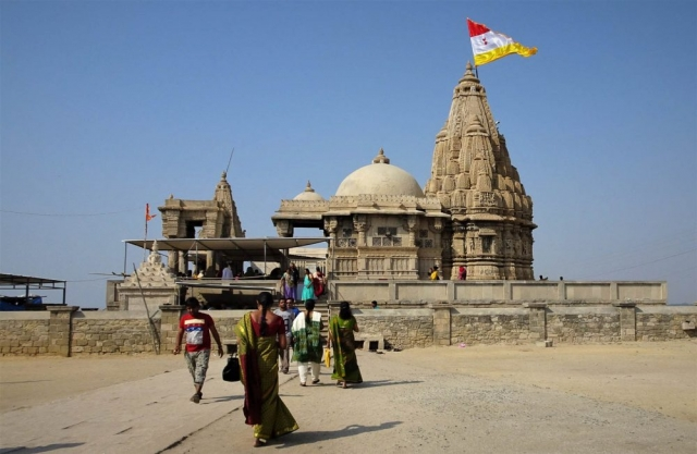 1101_Dwarka_-Rukmini-Devi-Temple-0.jpg