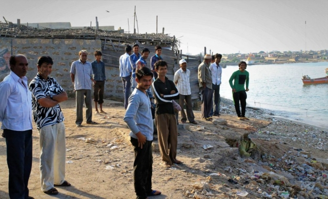 1102_Dwarka-fishermen-14.jpg