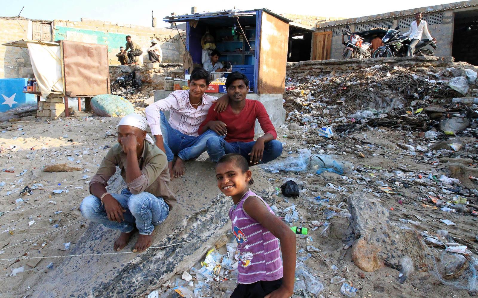 1102_Dwarka-fishermen-20.jpg