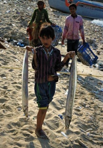 1102_Dwarka-fishermen-27.jpg