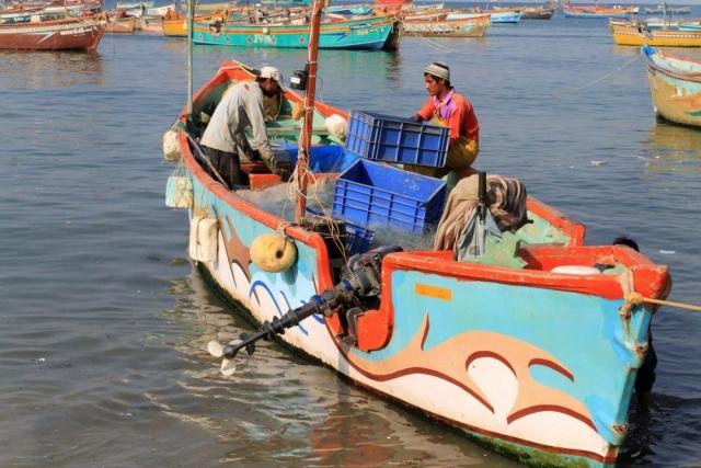 1102_Dwarka-fishermen-28.jpg