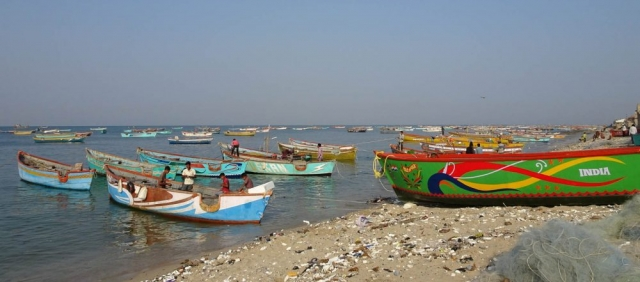 1102_Dwarka-fishermen-4.jpg