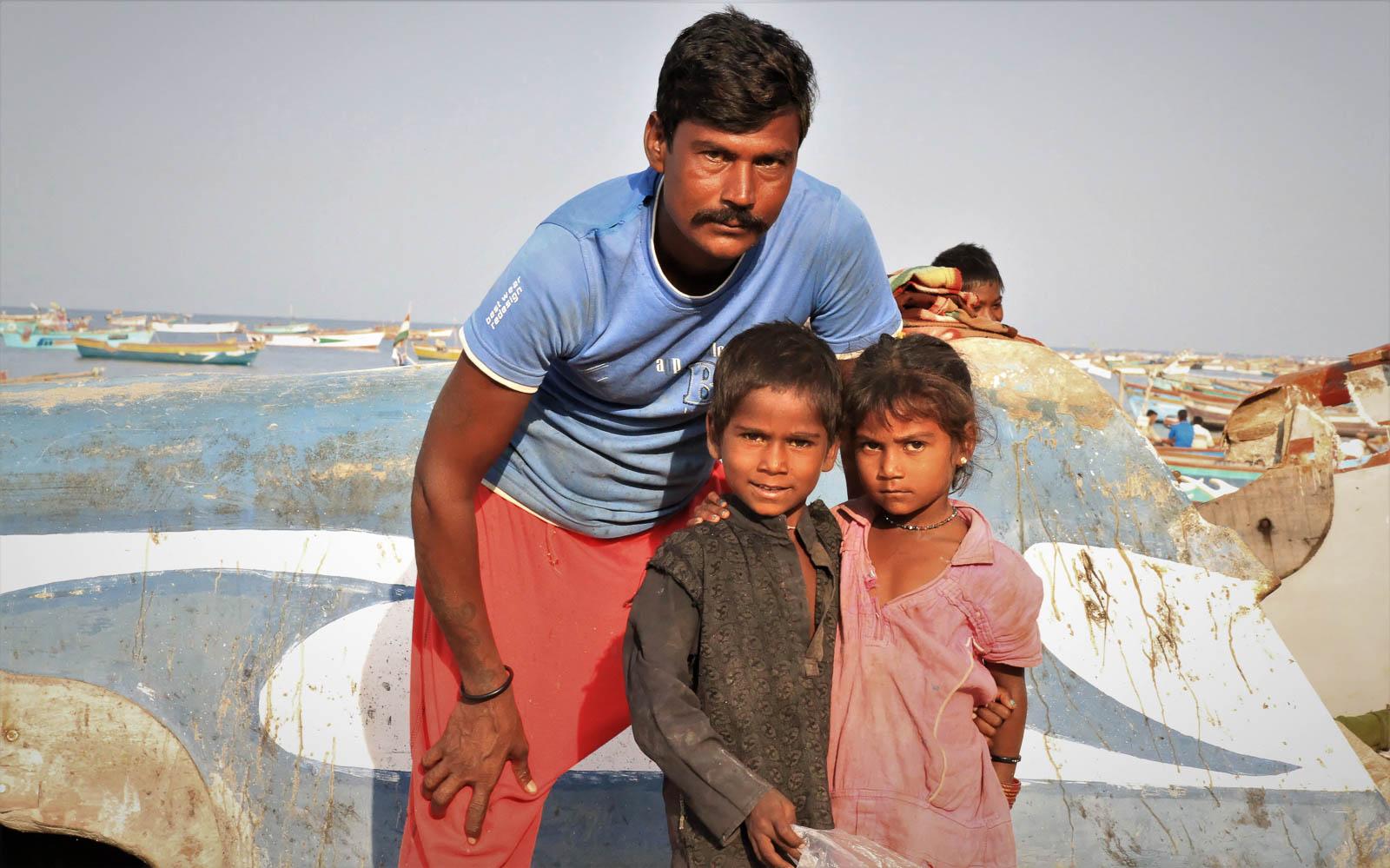 1102_Dwarka-fishermen-8.jpg