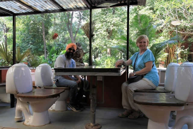 1108_Toilet-Garden-2.jpg