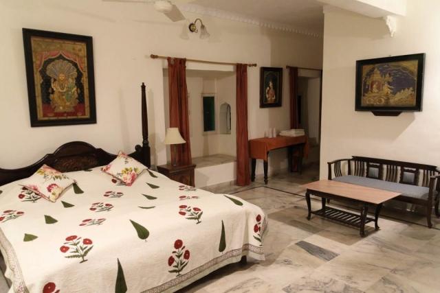 1024_Poshina_Darbargadh-Palace-3.jpg