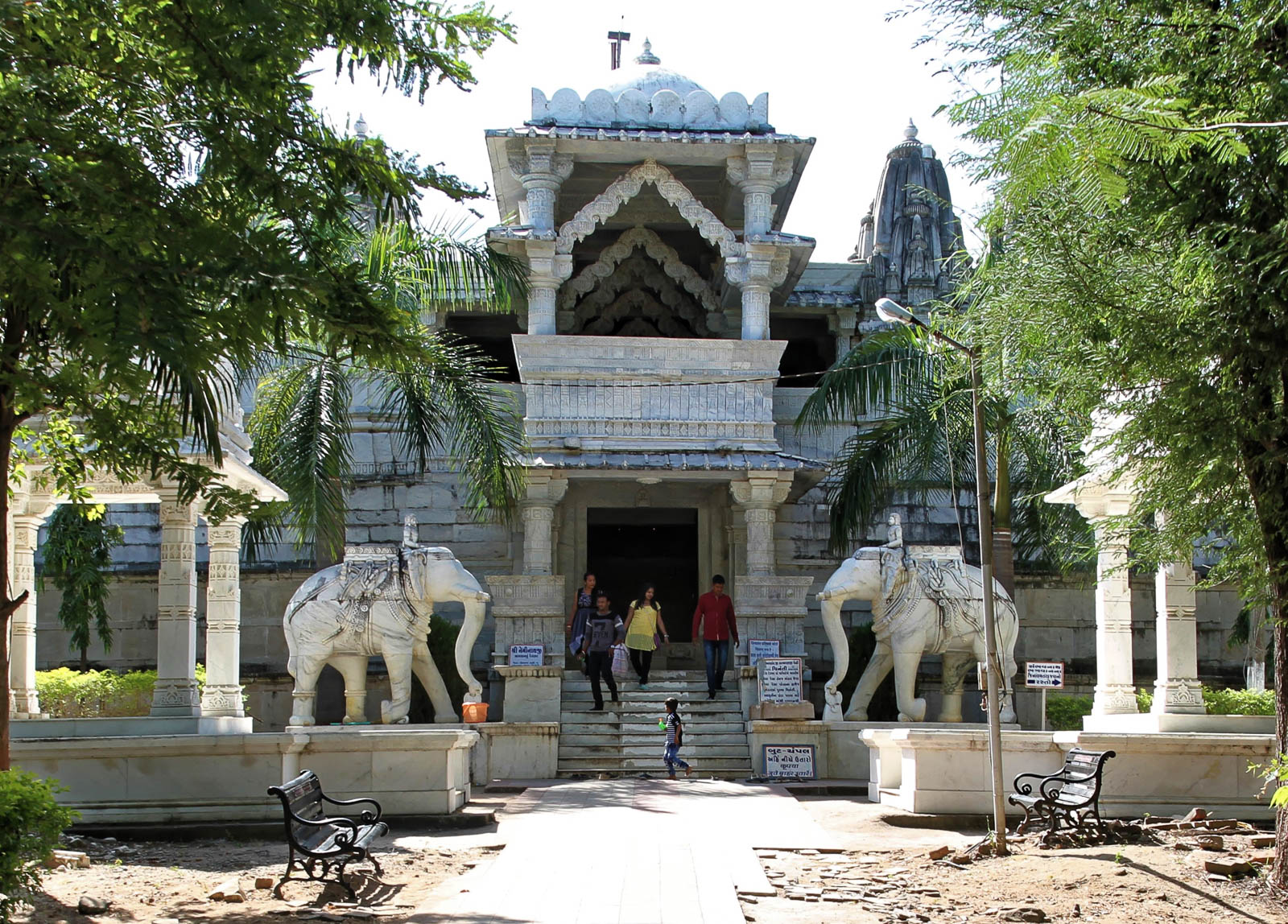 1025_Ambaji-Jain-Temple-1.jpg