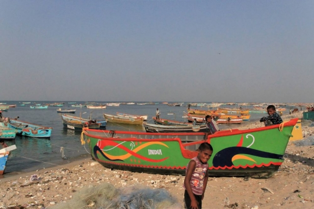 1102_Dwarka-fishermen-21.jpg