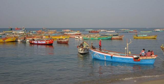 1102_Dwarka-fishermen-3.jpg