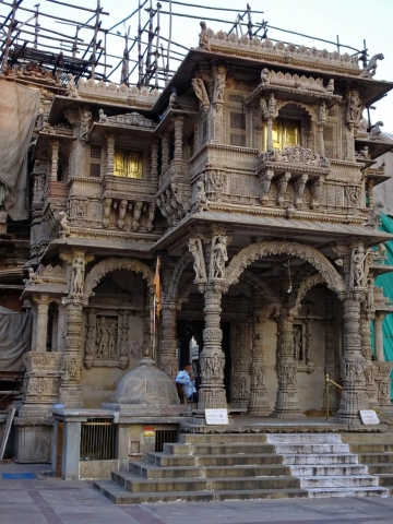 1107_Hutheesing-Jain-Temple.jpg