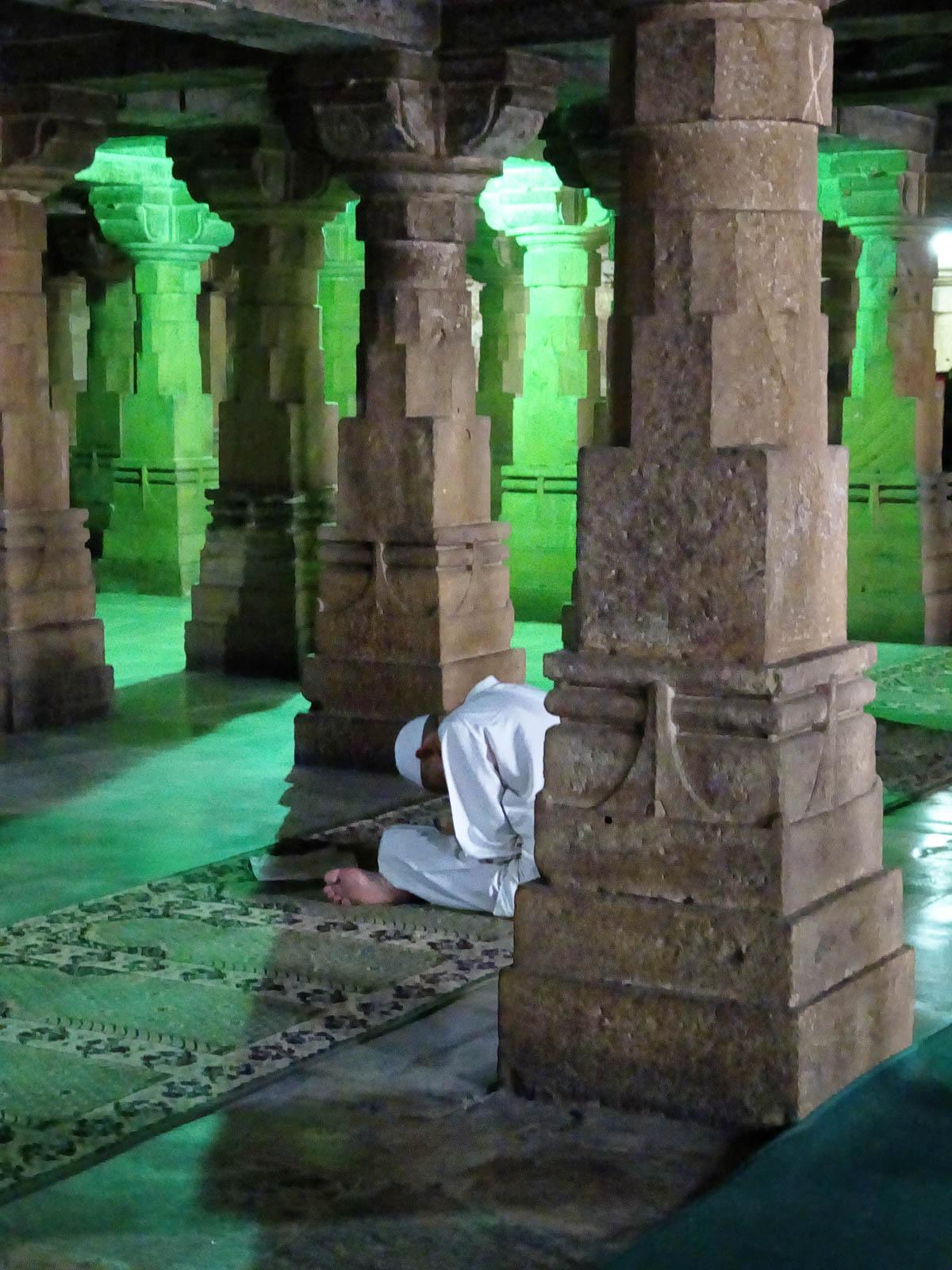 1108_Jumma-Masjid-mosque-7.jpg